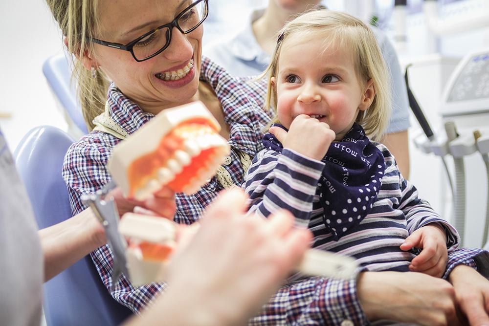 Kinder: Die besonderen Patienten in der Zahnarztpraxis